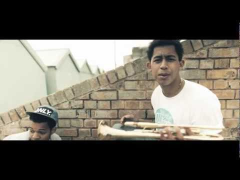 Rizzle Kicks – Down With The Trumpets